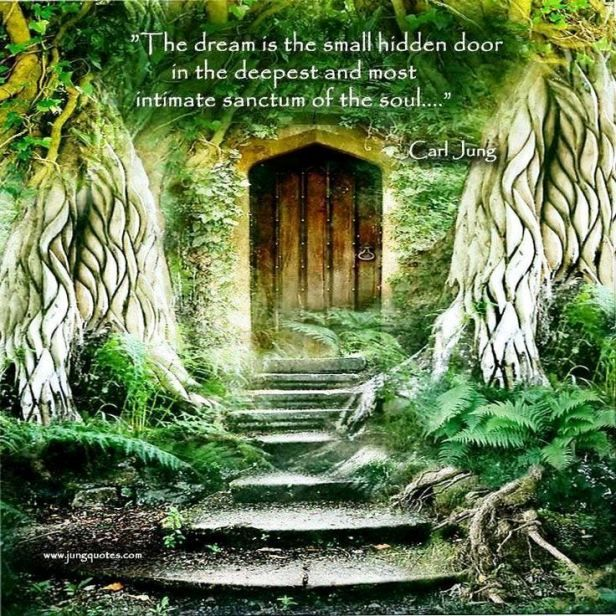 "Carl Jung on the ""Hidden."" [Anthology Unique doors"