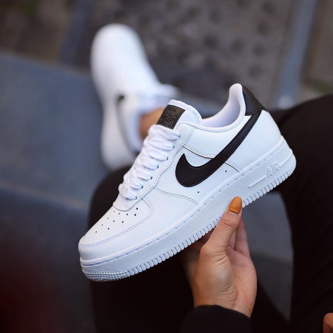 Nike Air Force 1 Mega Good Colorway Or Link In Organic Prinzsportlich Snkrad Airforce1 Nikeairforce1 Sourc 2020 Goruntuler Ile Sneaker Nike Ayakkabilar Ayakkabilar