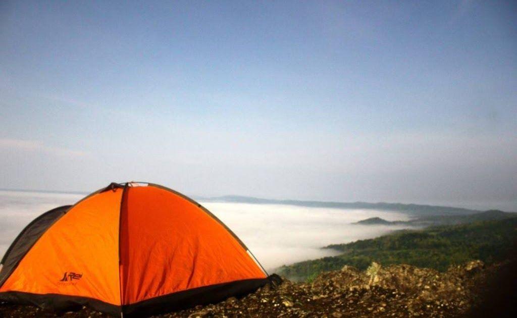 31 Gambar Pemandangan Gunung Kidul 17 Tempat Wisata Di Gunung Kidul Selain Pantai Yang Tidak Download Pesona Blue Lake Telaga Di 2020 Pemandangan Pantai Di Pantai