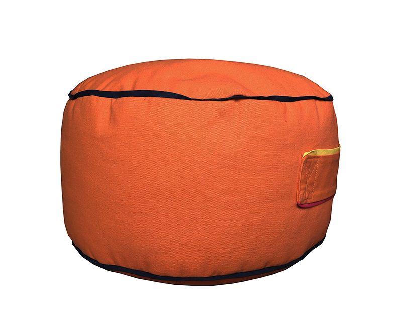 Pufa - Pomarańcza, jest bardzo lekka, a dzięki wszytemu uchwytowi dziecko może ją swobodnie przenosić. www.lapgap.pl