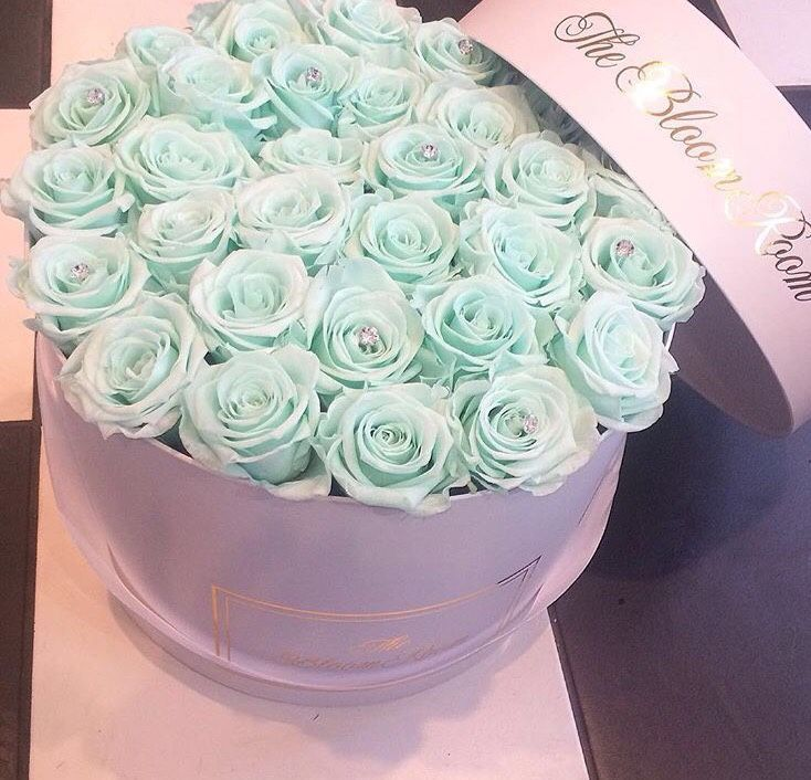 Luxury flower bouquet- mint roses, The Bloom Room | Luxury Flowers ...
