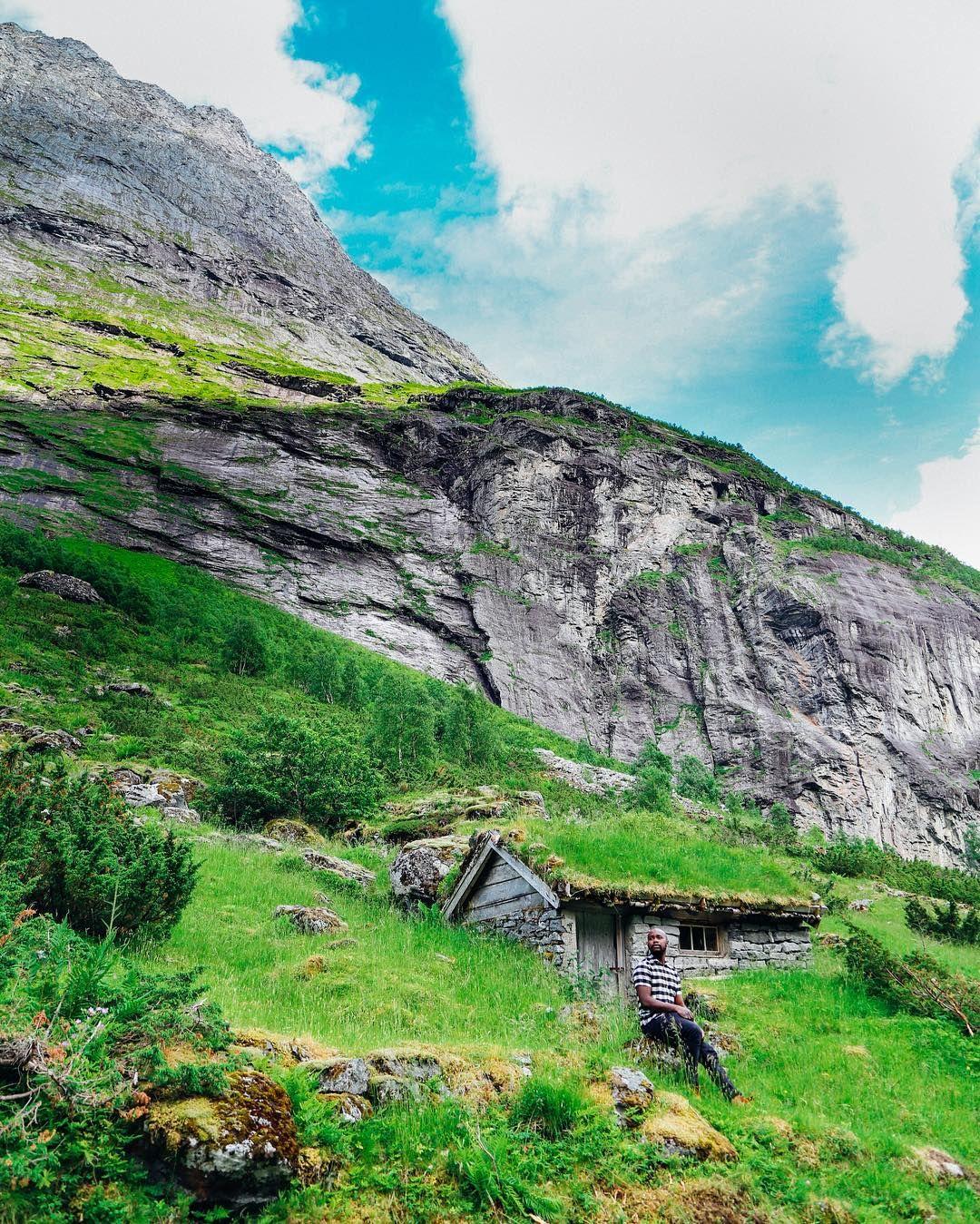 Village of Reine on Moskenesøya, Norway | Norway landscape