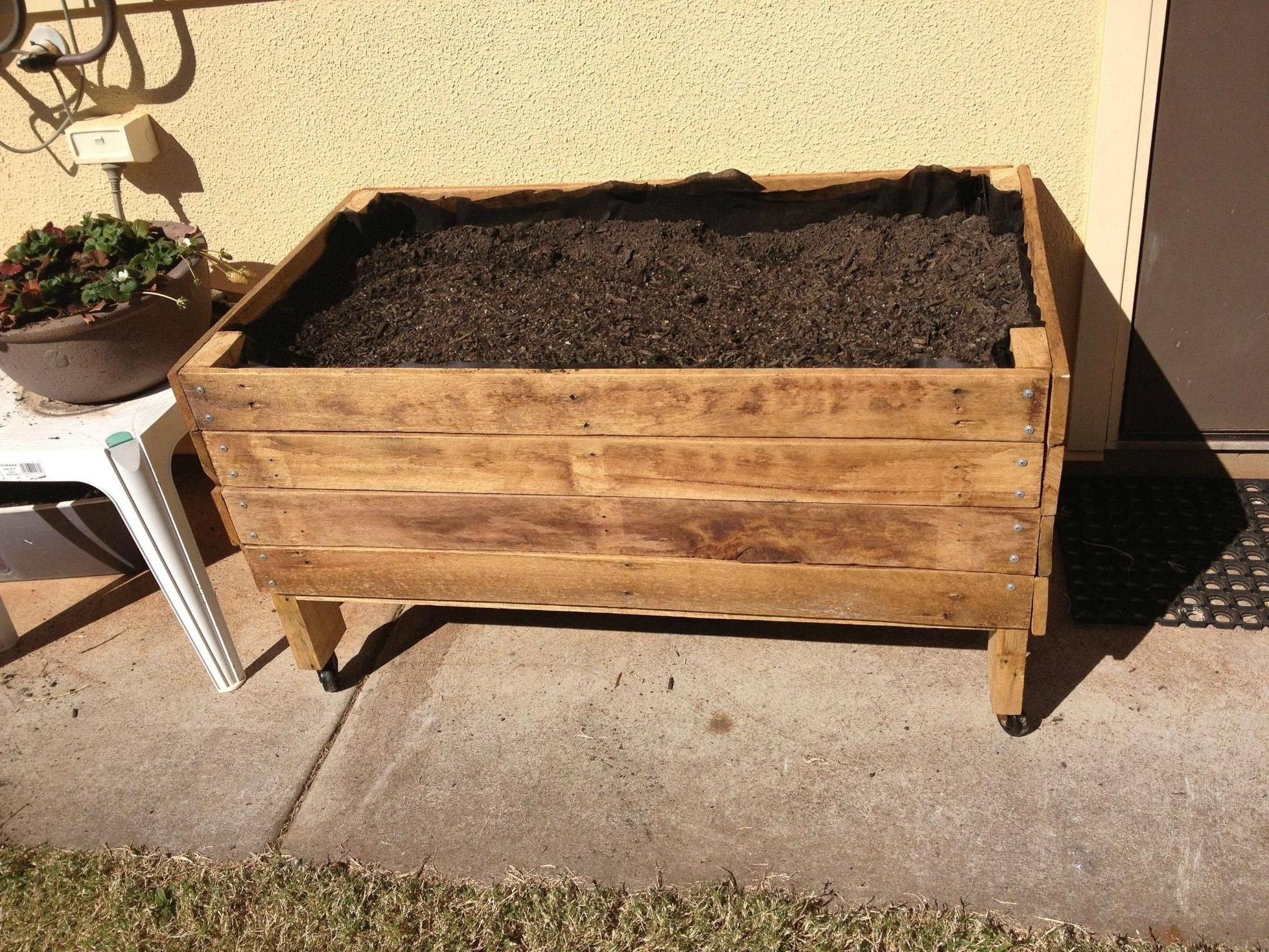 First pallet and woodworking project Pallet Planter