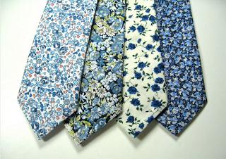 Cravate Mariage Fleurie Cravate /à Fleurs Cravate Liberty Blanche et Bleu marine