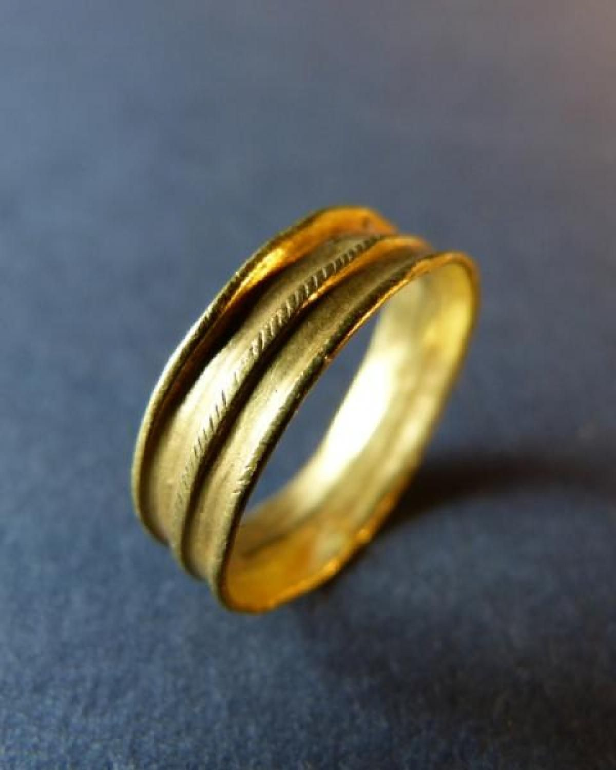 Antique For Sale Ancient Roman Flat Ring In Gold Wedding Jewelry Fashion Clothes Beauty