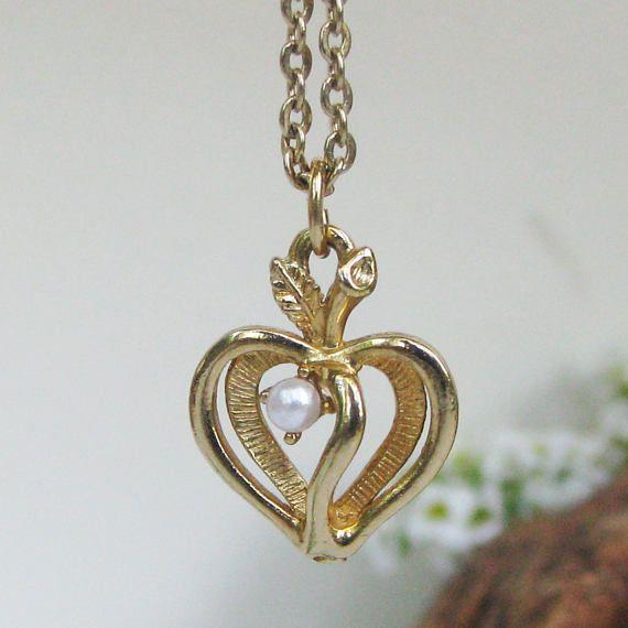 Vintage sarah coventry pendant heart faux pearl gold tone metal vintage sarah coventry pendant heart faux pearl gold tone aloadofball Images