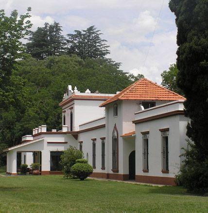 Pin De Maria Palazzolo En Estancias Casas Antiguas De Campo Art Nouveau Arquitectura Casas De Campo