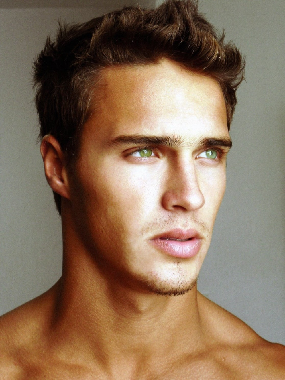 Ralph Schmidt On Twitter Guys With Green Eyes Brown Hair Men Boys With Green Eyes