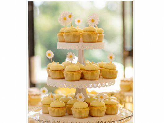 DIY Martha Stewart Cupcake Stand. | Cake Pedestals | Pinterest ...