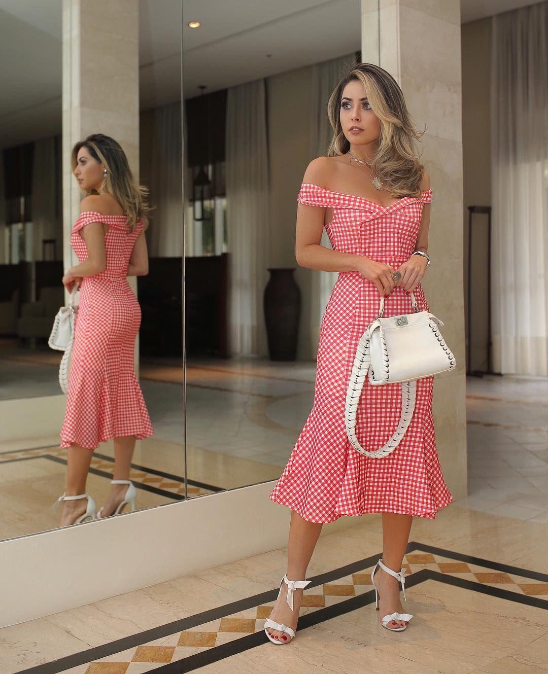 """9af317c6b 3,619 curtidas, 56 comentários - Maria Rosa Guerra (@mariarosaguerra) no  Instagram: """"Estampa Vichy, o xadrez da temporada, no lindo vestido com  decote ..."""