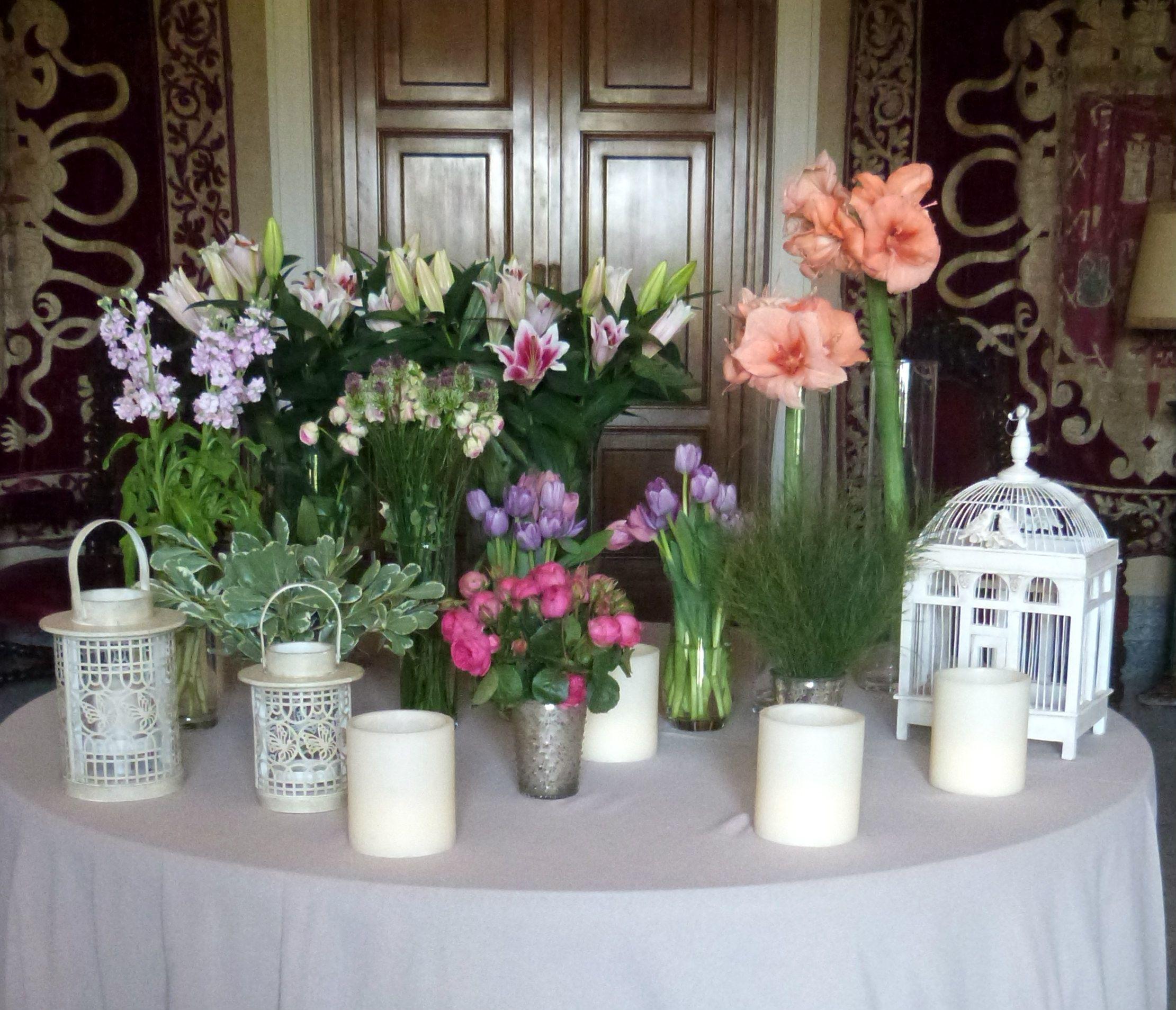 Bodegón de entrada al salón. www.thebestweddingever.es #bodas #decoracionbodas #ideasboda #floresboda #detallesboda #bodasmadrid