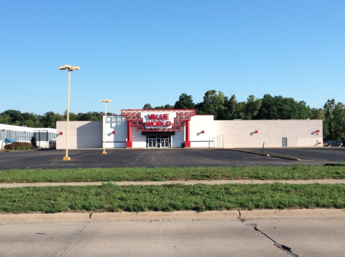 Take This Bargain Hunters Road Trip To The Best Thrift Stores In Michigan Resale Shops Central City Places To Go