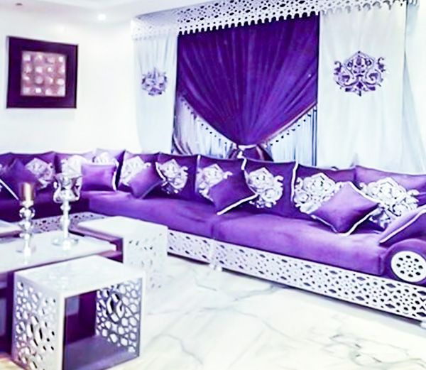 Un Magnifique Canape Marocain Avec Un Tissu De Qualite