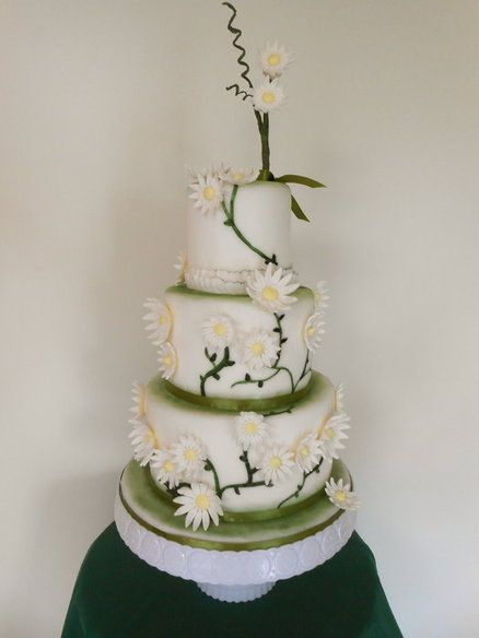 Ever green daily wedding cake