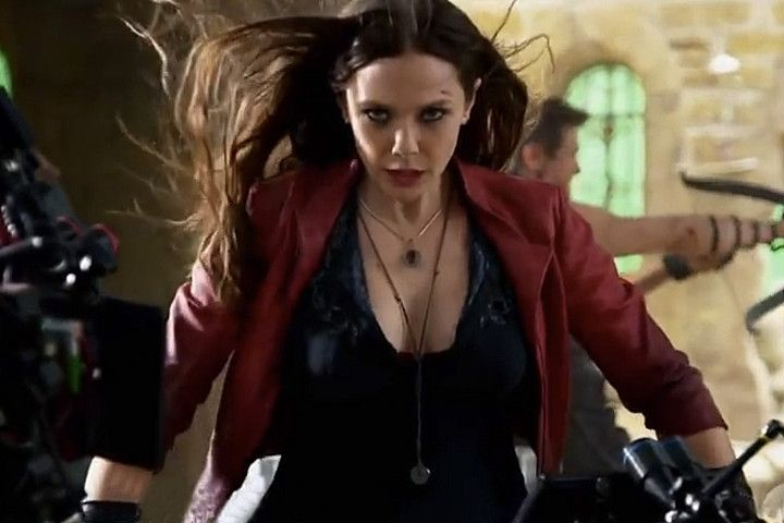 Elizabeth Olsen S Avengers Teacher Tells Us How To Get Perfectly Spooky Scarlet Witch Hands With Images Elizabeth Olsen Scarlet Witch Scarlet Witch Elizabeth Olsen
