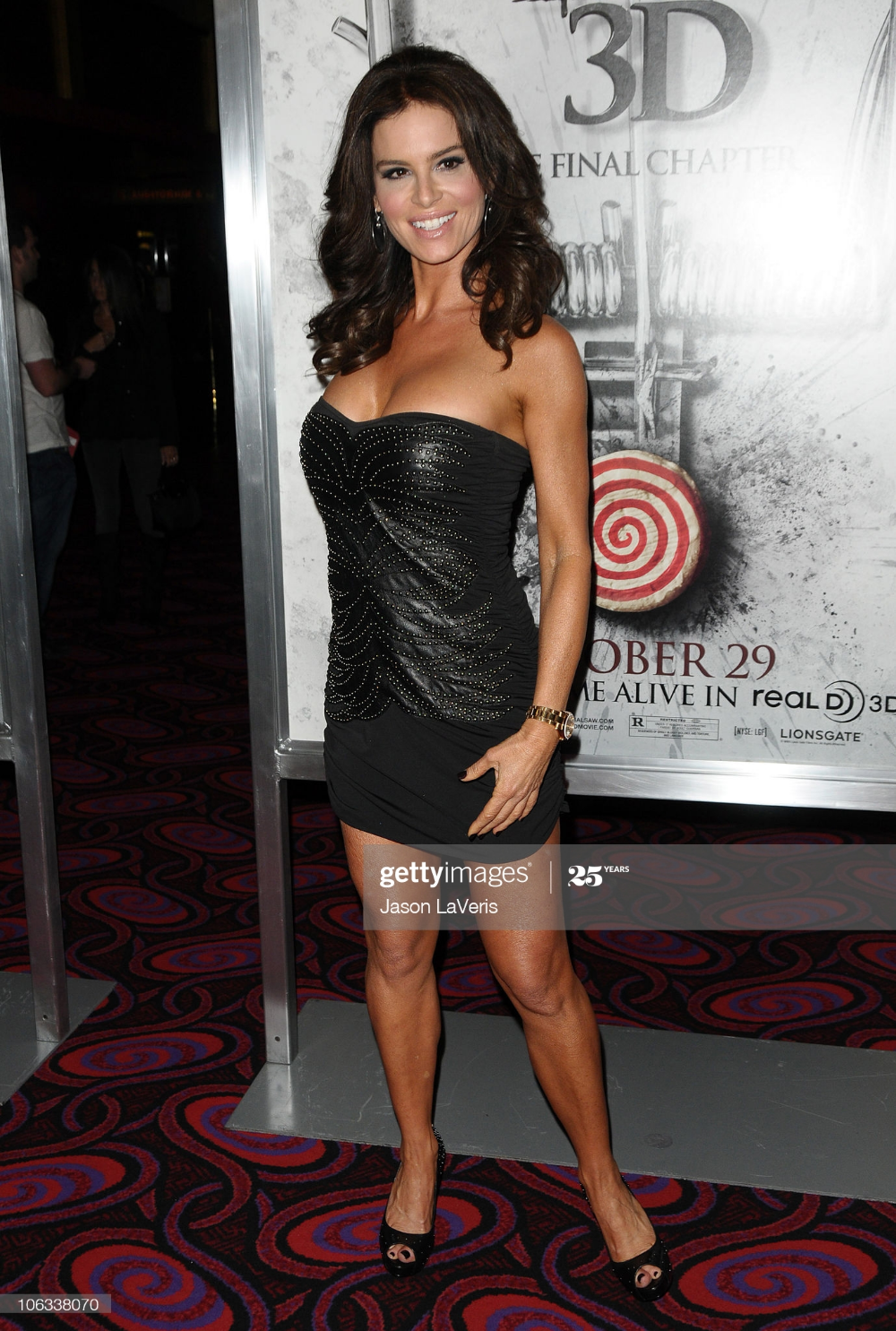 Actress Betsy Russell Attends A Screening Of Saw 3d At Mann S 6 Betsy Russell Actresses Betsy