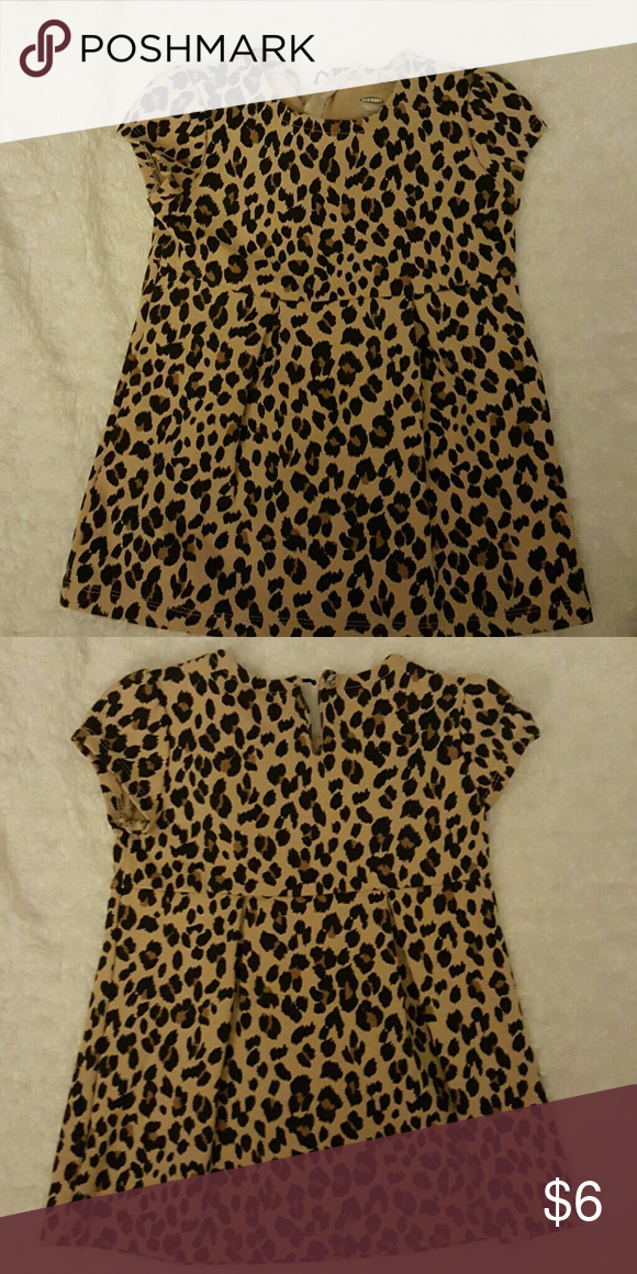642999e7e8 Old Navy Leopard print dress Short sleeve leopard print dress. The elastic  part to button the dress up needs to be sewn back. Old Navy Dresses Casual