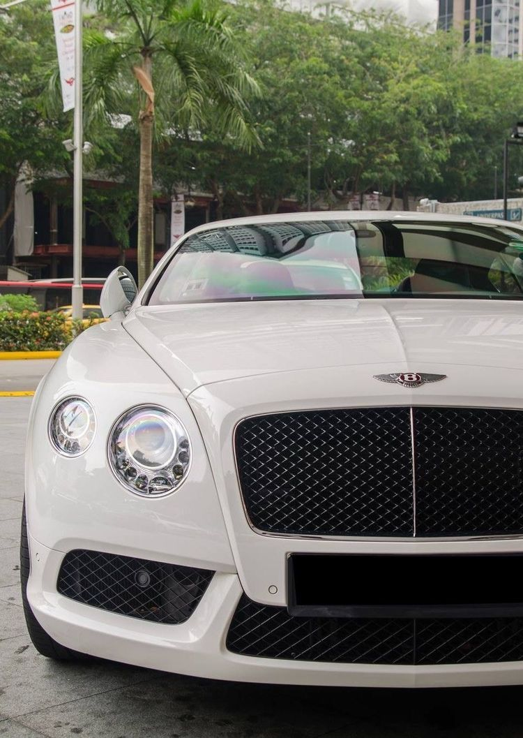 Pin by Mari on Drive. in 2020 Luxury cars bentley, Best