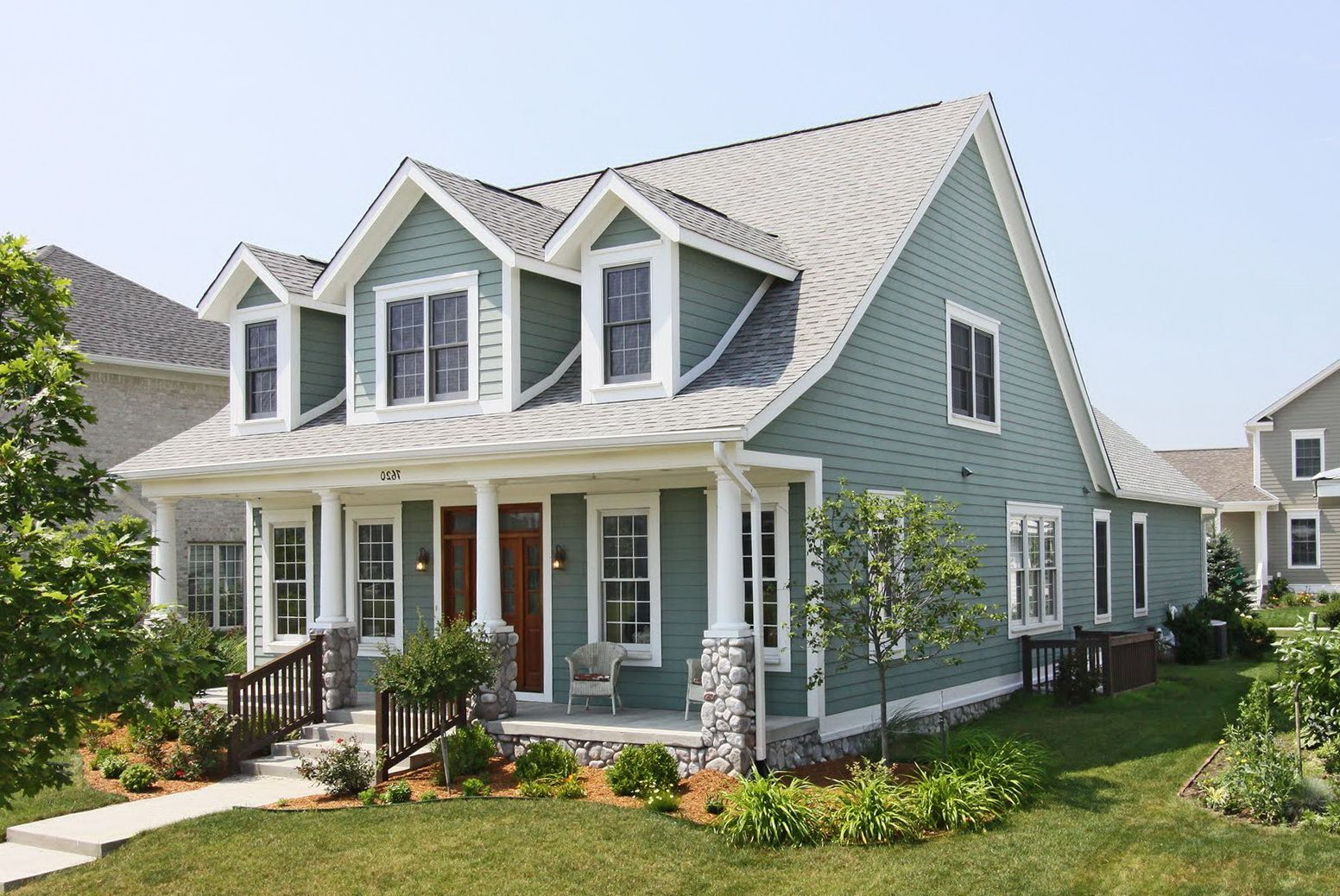 Pin By Ginger Davis On Before And After Cape Cod House Exterior Cape Cod Style House House Front Porch