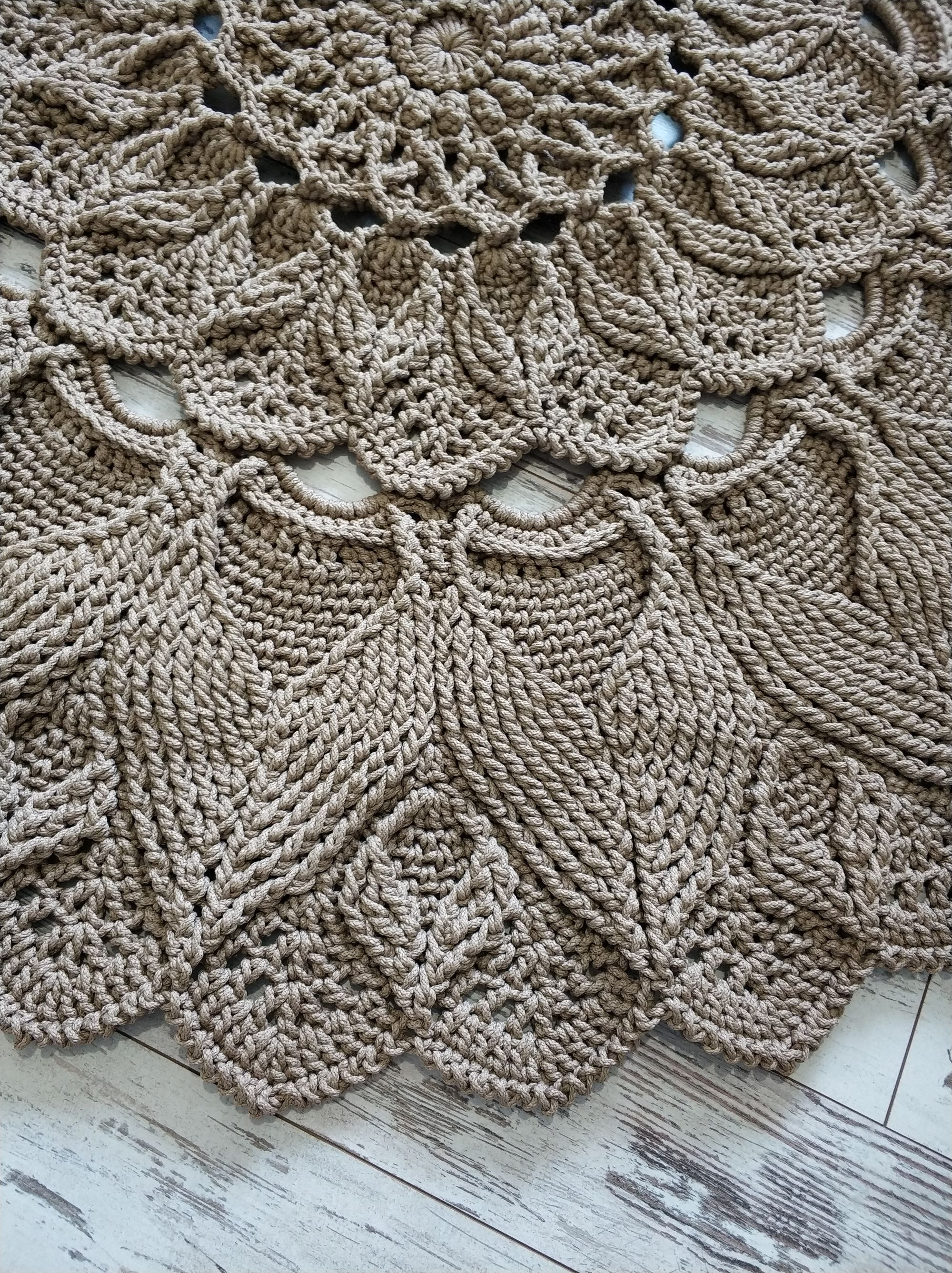 Video Tutorial Crocheting Rug Elven Patterns Text Description In English Video In Russian In 2020 Crochet Rug Patterns Crochet Rug Rug Pattern