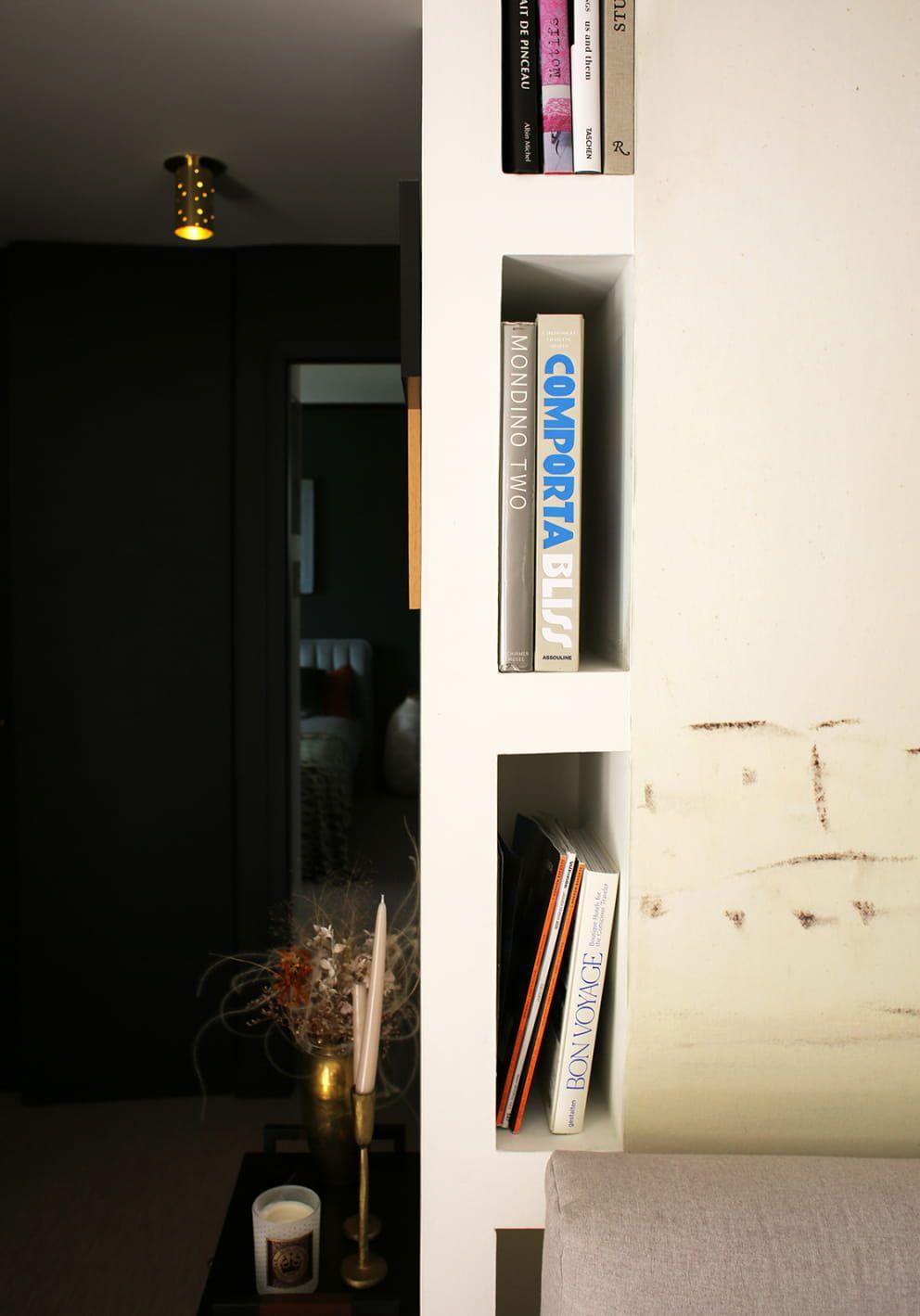 Anne Sophie Bidart Inside Closet En 2020 Magazine Deco Meuble Chambre A Coucher Papier Peint Pierre Frey