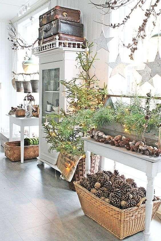 Decorazioni di Natale in stile provenzale - Decorazioni natalizie con le pigne