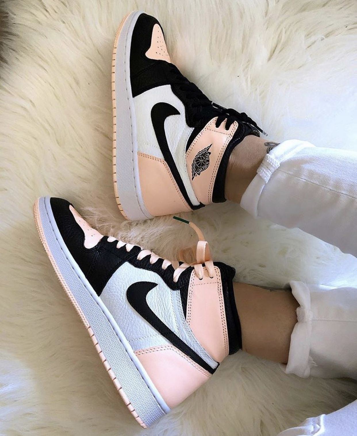 Pin By Magda P On Outfits Hype Shoes Jordan Shoes Girls Custom Nike Shoes