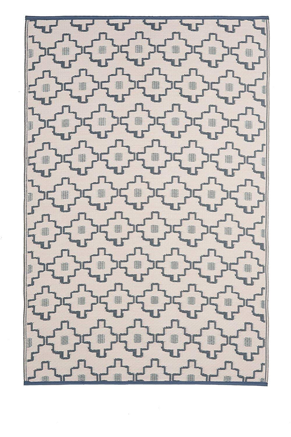 Amazon Com Fab Habitat Reversible Rugs Indoor Or Outdoor Use Stain Resistant Easy To Clean Weather Resistant Floor Mats Fab Habitat Reversible Rug Rugs