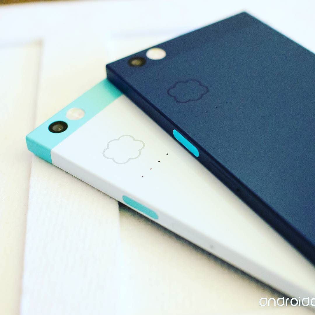 Finally found the new phone I want a incredible piece of technology @nextbitsys  #nextbit #robin #tech #technology #android #innovation #future #amazing #cloud #apple #geek #nerd #gamer by jarenward21