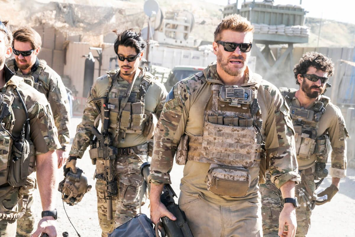 Seal Team Season 3 Episode 19 Photos Preview Of In The Blind Seal Teams Tv Series