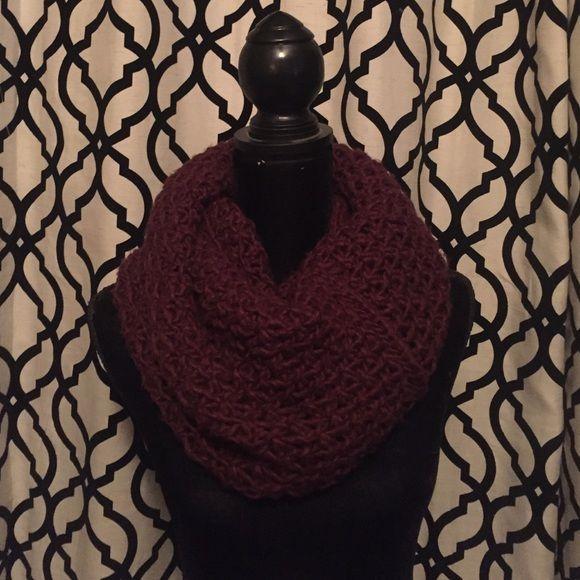 H&M Maroon Crochet Scarf H&M Maroon Crochet Scarf H&M Accessories Scarves & Wraps