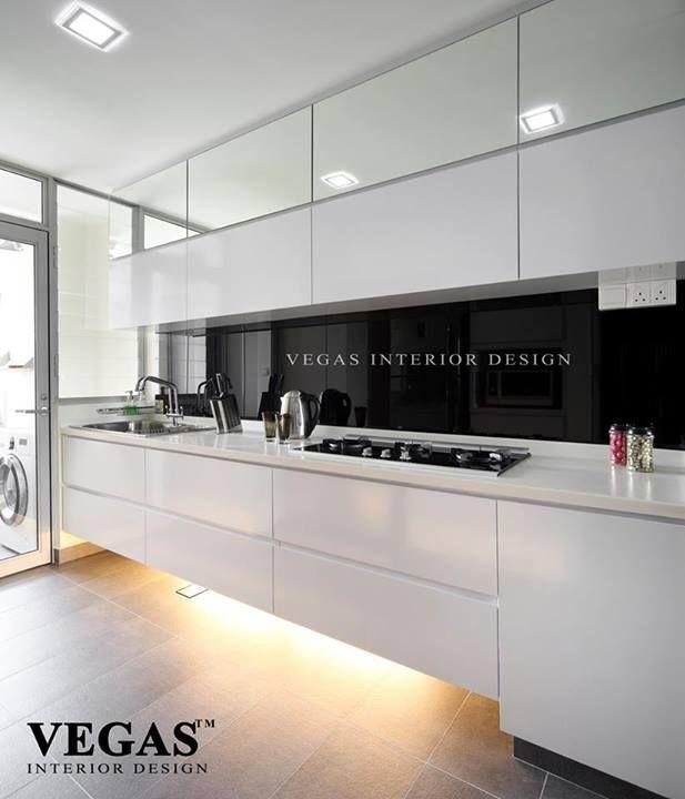 Küchenschrankdesign, Moderne Küchenschränke, Moderne Küchen, Weiße Küchen,  Küchen Design, Ideen Für Die Küche, Beleuchtung Unterm Schrank, Schwarz Und  Weiß, ...