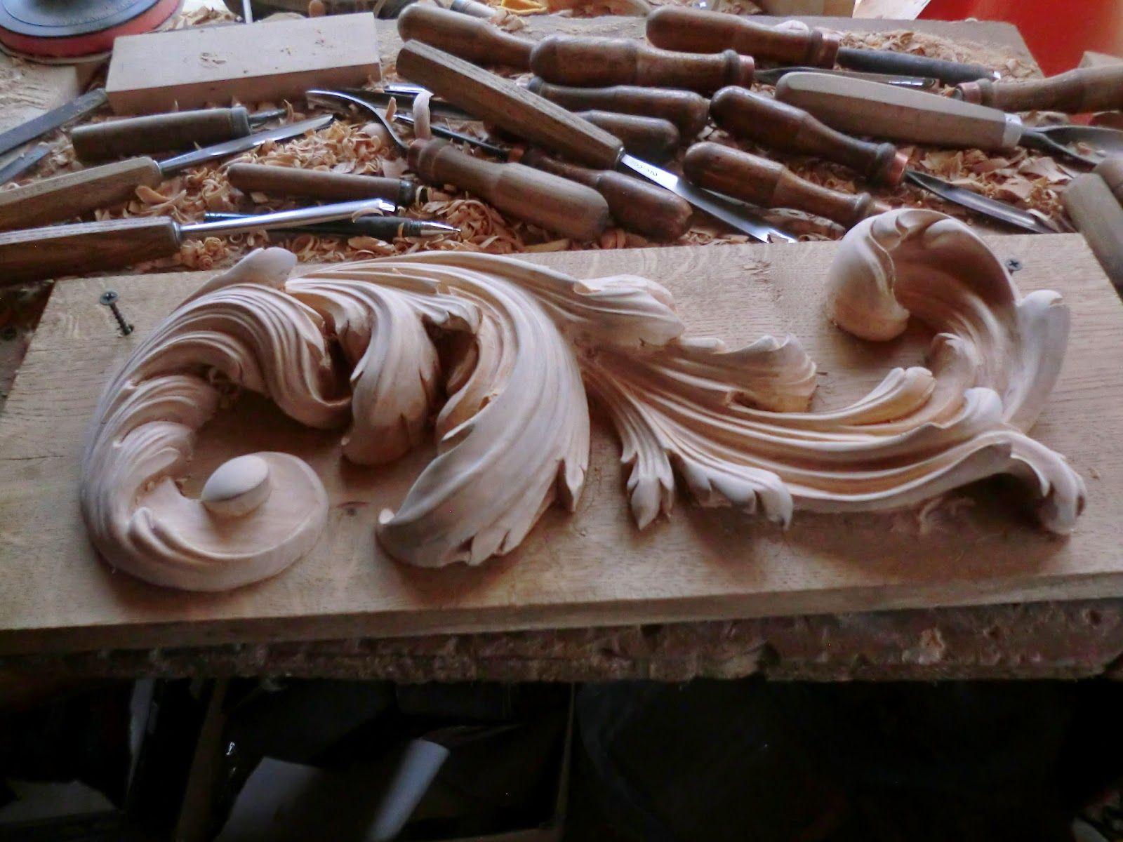 Laboratorio di intaglio del legno barokkos decorazione intagliata per mobili intaglio - Wooden art mobili ...