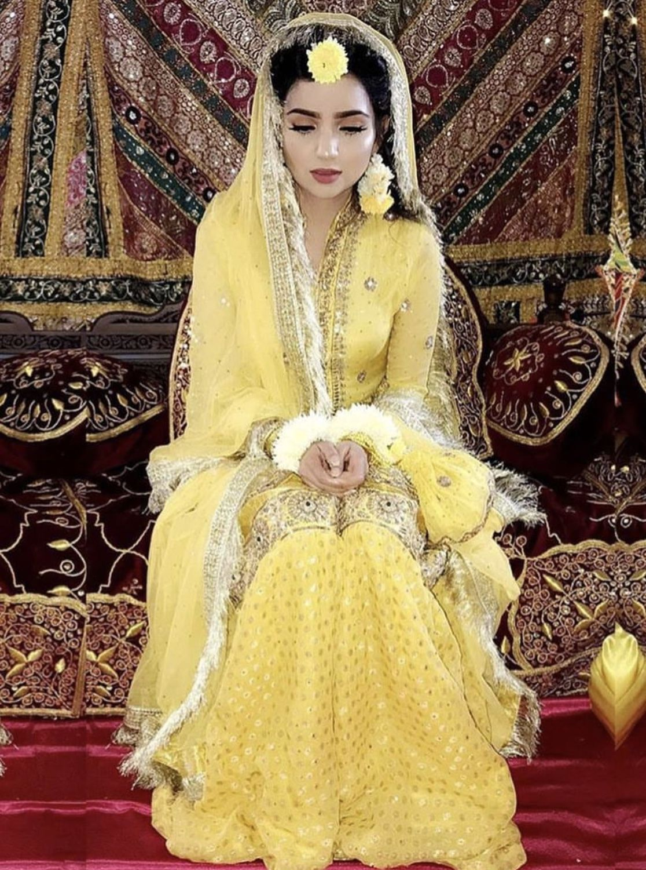 56de3d27c6 Mayoun/mayun bride | Commitment in 2019 | Bridal mehndi dresses ...