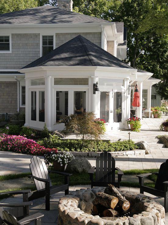 shingled house and love the hexagonal sun room beautiful houses pinterest. Black Bedroom Furniture Sets. Home Design Ideas