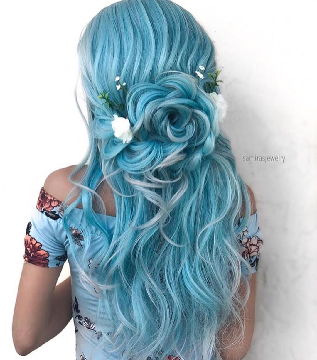 Are You Following Samirasjewelry One Of Our Favorite Style Artists Elegant Do And Hair Jewelry By S Cool Hair Color Long Hair Styles Hair Styles