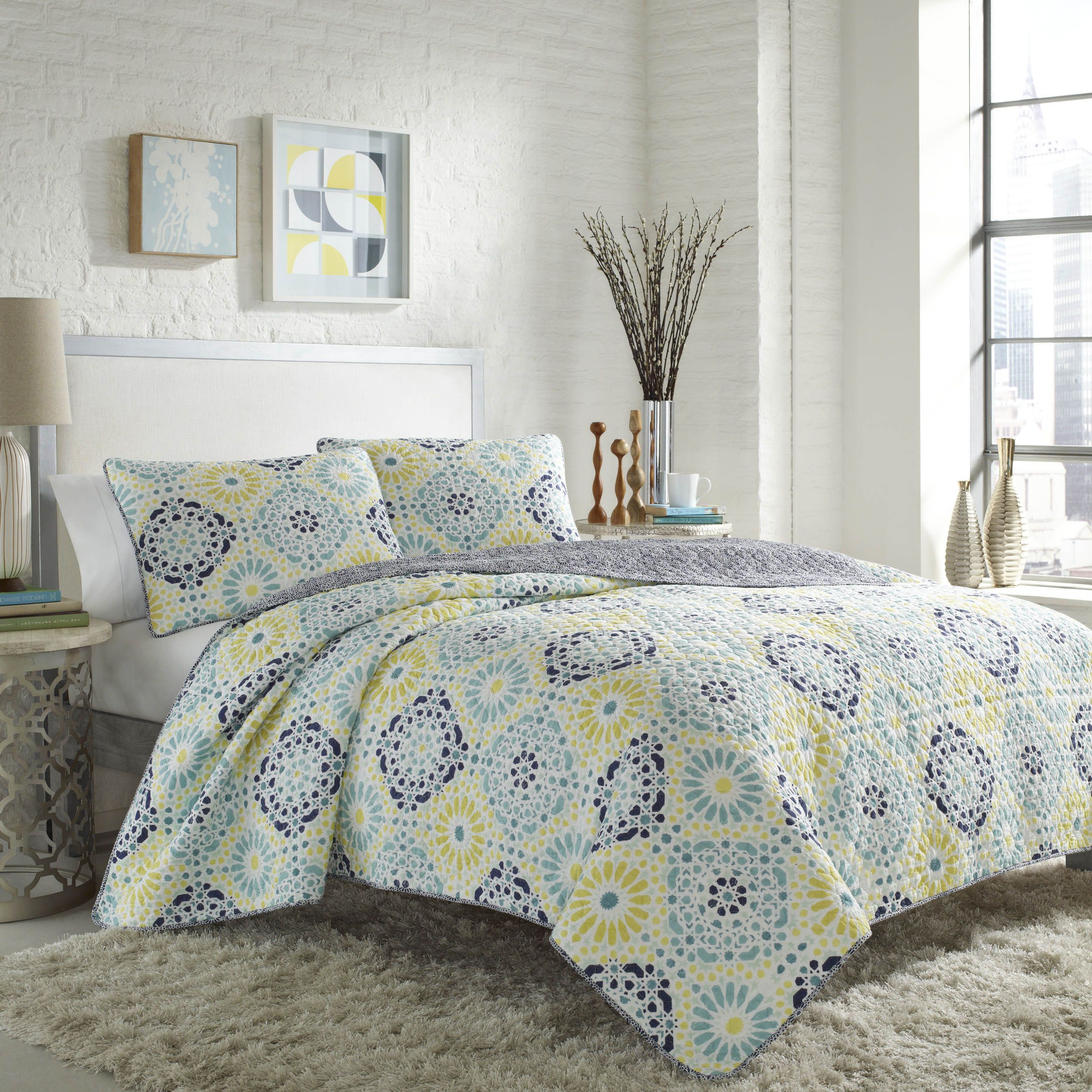 let the sunshine into your bedroom with this bright comforter set  - let the sunshine into your bedroom with this bright comforter setdecorated with a darling