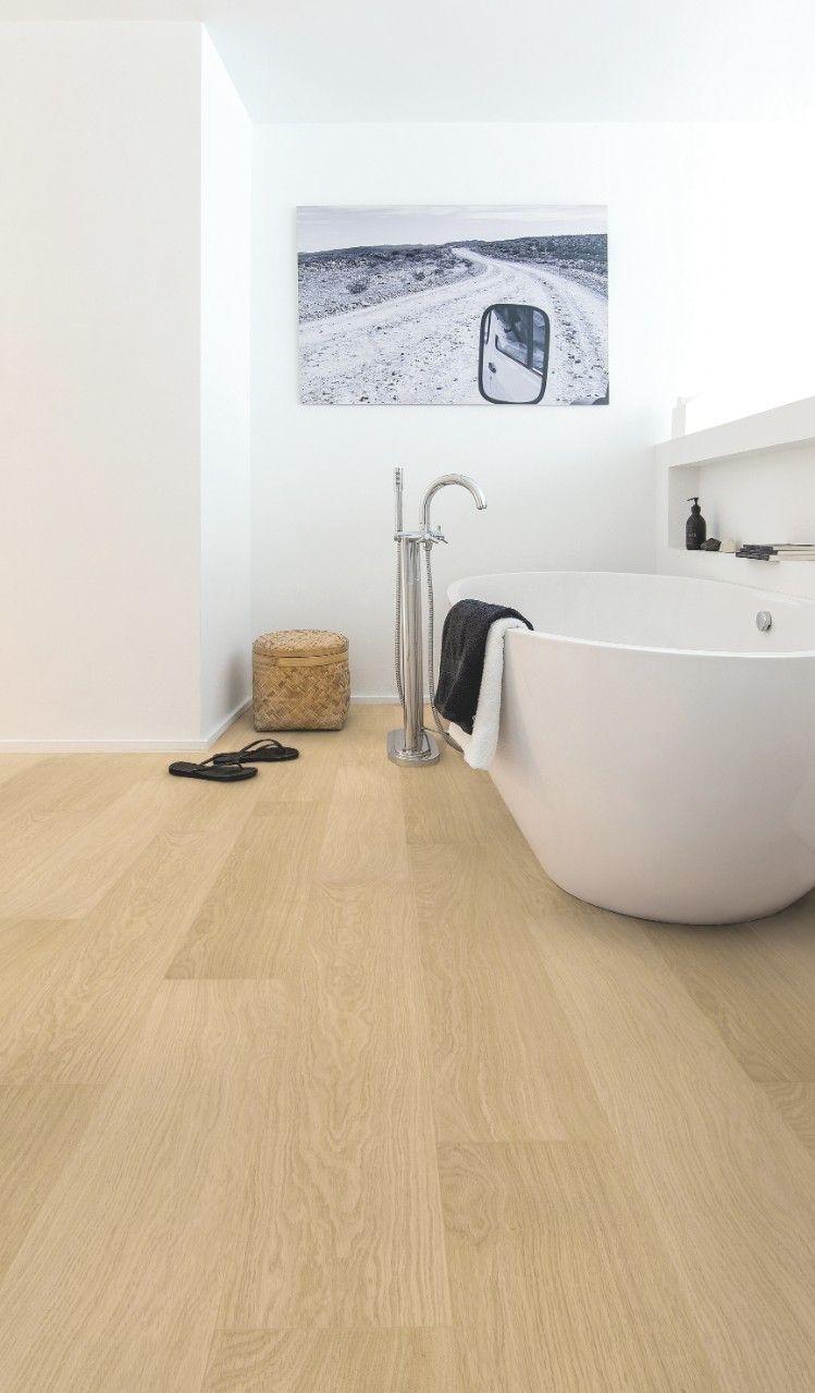 parquet stratifi salle de bain effet bois naturel id e. Black Bedroom Furniture Sets. Home Design Ideas