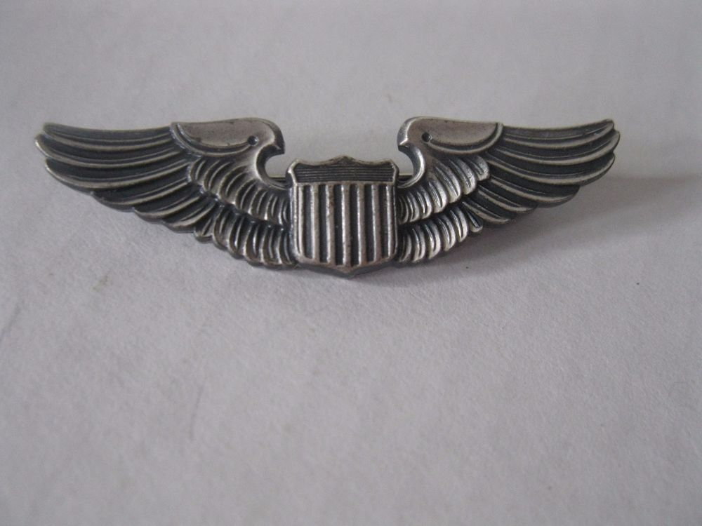 Vintage Military Wings Metal Pin Shield marked Vanguard 2