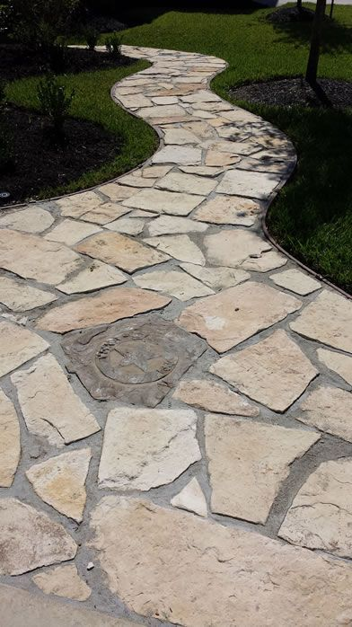 Flagstone Walkway With Polymer Grout And Texas Insert Pool Landscaping Flagstone Walkway Flagstone Patio