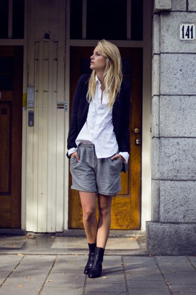 25 Ways to Style a Plain Black Blazer | StyleCaster