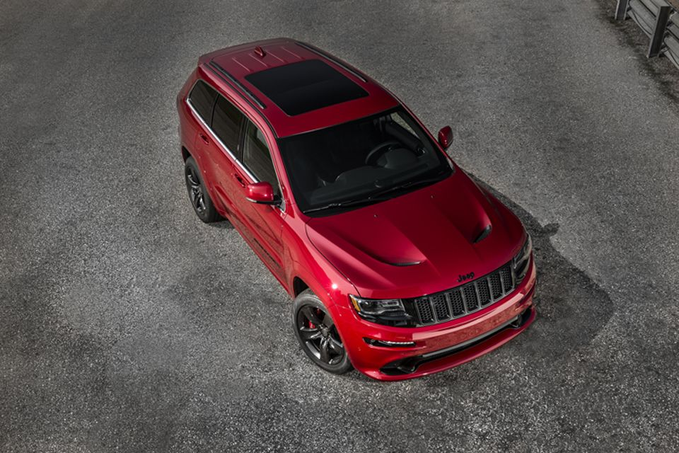 For 2015 The Most Awarded Suv Ever Builds Upon This Proven Success With More Horsepower And Torque A Ne Jeep Grand Cherokee Srt Jeep Srt8 Jeep Grand Cherokee