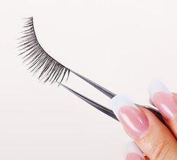 How To Measure and Trim False Eyelashes | Lash Closet ...