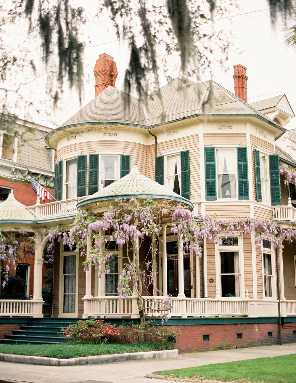 Southern Charm Victorian Homes Victorian House Colors House Colors