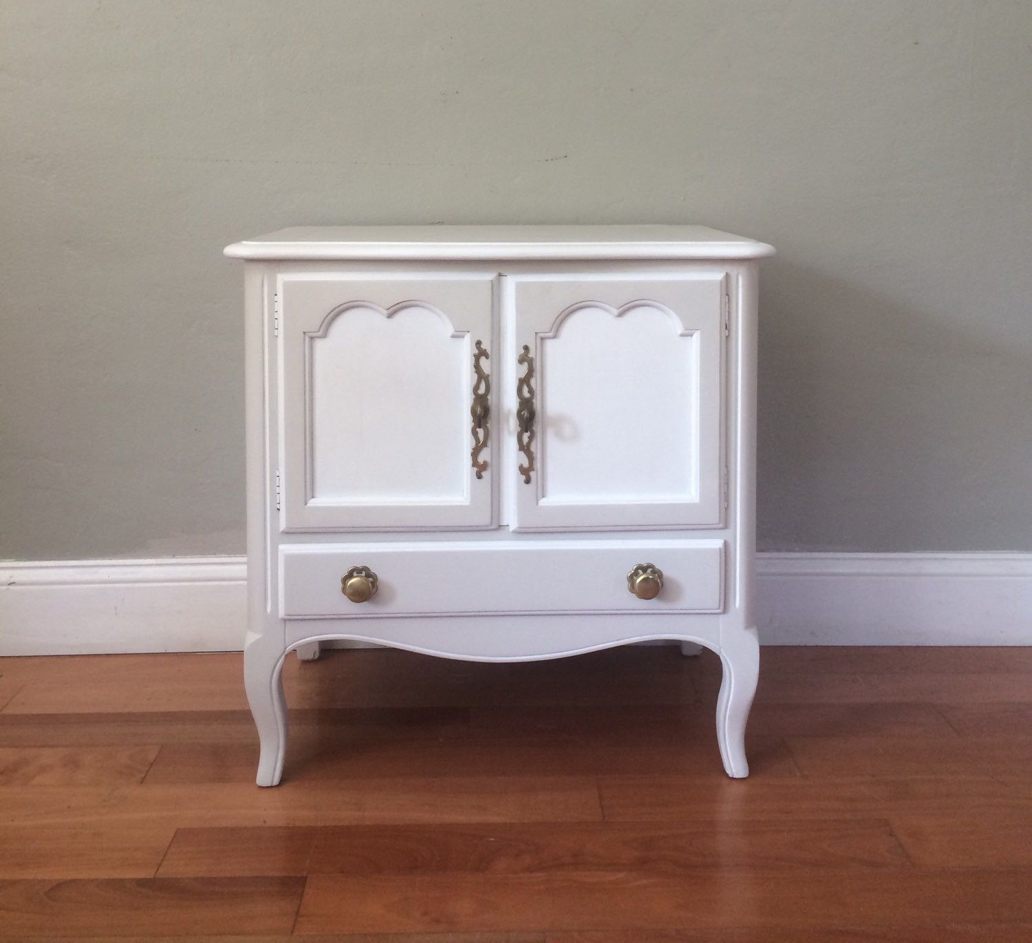 Best Set Of Two Tone White Vintage Mid Century Nightstands 640 x 480