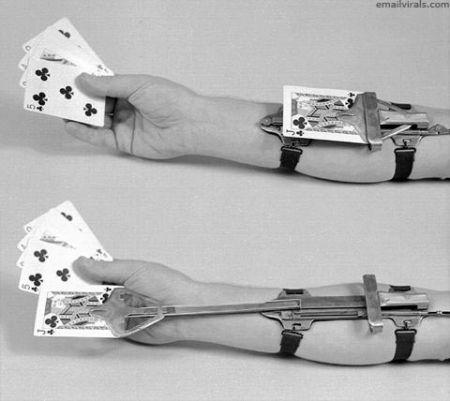 Card trick machine
