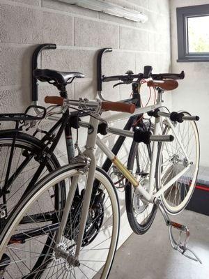 un porte v lo un indispensable rangements pinterest porte v los portes et cyclisme. Black Bedroom Furniture Sets. Home Design Ideas