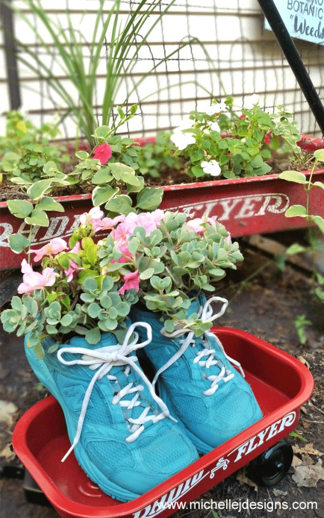 Runaway Bride Diy Tennis Shoe Flower Planter Flower Planters