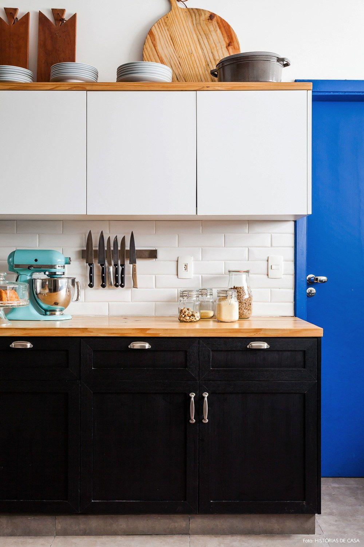 Dois Mundos Num S Portas Azuis Cozinhas Industriais E Cozinha