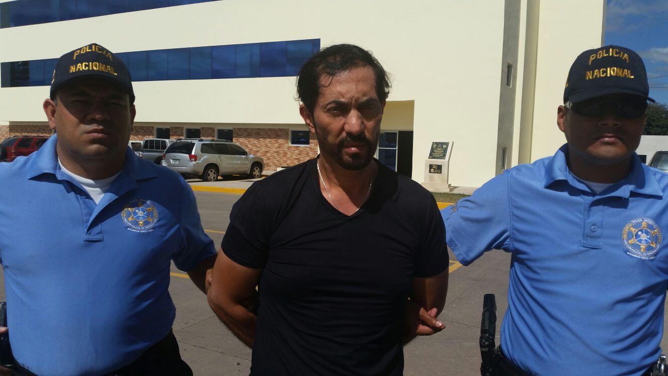 Dirección Policial de Investigaciones captura a un árabe por el delito de estafa - http://bit.ly/22tIwwe